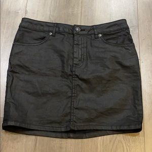 Divided black wax skirt - Sz. 6